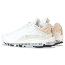 46fc33cb11 Looking for a pair of clean-looking sneakers? You can now pick up the Nike  Air Max Deluxe SE 'Sail' in Desert Ore from 5pointz.co.uk for ONLY £89.99!